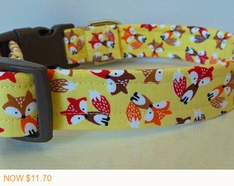 """Puppy Love Sale - 40% Off Little Foxes on Yellow Fabric - Summer Dog Collar - Red Browm & Orange Foxes """"Yellow Fox"""""""