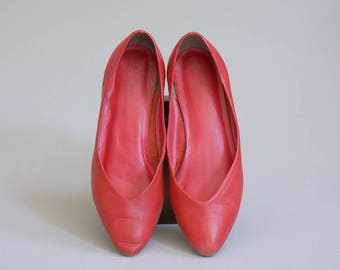 Vintage Red Leather Flats / Size 9.5