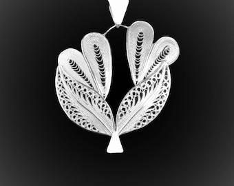 Pendant silver embroidery love Bouquet