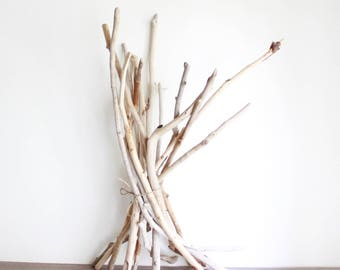 13 Long Driftwood Branches -- Bulk Driftwood Bundle -- Natural Beach Wood Finds -- Drift Wood for House Decor, Weddings, Crafts