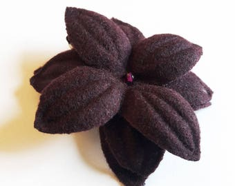 """Nimue"" wool Burgundy flower hair clip"
