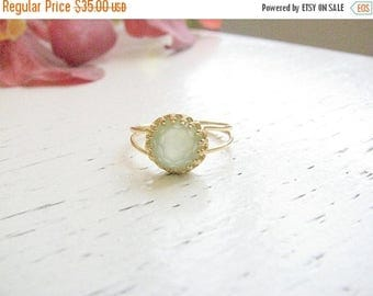 SALE - Jade ring - Gold ring - Green jade ring - Light green ring - vintage ring - Dainty jade ring - Jade jewelry