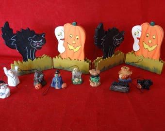 Craft Supplies - Miniature Halloween Decorations, Set of 10 Items