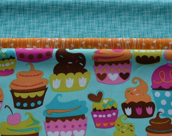 "Pillow Case Kit/Cupcake Fabric/Pattern for Pillowcase/Cotton Sewing Material/3/4"" Body Fabric, 2"" Accent Strip, 9"" Cuff/Make Your Own"