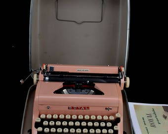 Refurbished  1957 Pink Royal Portable Quiet Deluxe Typewriter  W/ WARRANTY >