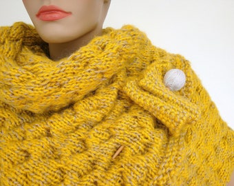 Scarf, knitted Scarf, Wrap, Fall Fashion, chunky, yellow, mustard, beige, bubbles