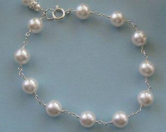 Elegant Bridal Pearl Bracelet, Simple Pearl Bracelet, Sterling Wire Wrapped Wedding Bracelet for the Bride, Bridal Jewelry Wedding Jewelry