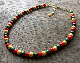 Gold Red Green Christmas Necklace, Pearl Necklace, Christmas Jewelry, Single Strand Necklace, Xmas Necklace, Xmas Jewelry on Gold Chain