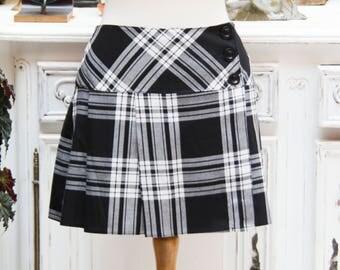 Vintage Short Tartan Black and White Skirt