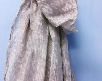 Crinkle metallic silk in light beige and silver