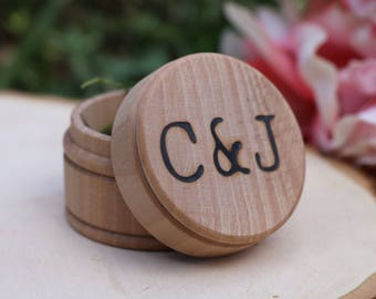 Rustic Wooden Ring Box - Wedding ring Box - Personalized Gift - Wedding Gift - Anniversary Gift - Custom Wedding Gift