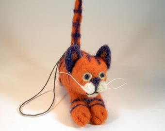 Orange striped cat ornament/needle felt cat tree ornament/marmalade kitty/flying cat/running cat/leaping cat/hanging cat/cute cat decoration