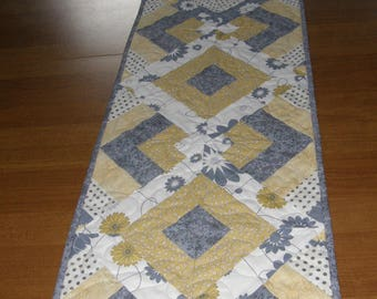Quilted Table Runner Gray Yellow, Gray Yellow Table Runner Quilt, Modern Table Runner, Contemporary Table Runner, Quiltsy Handmade
