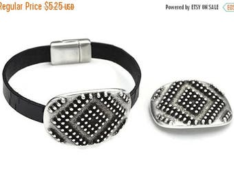 ON SALE 10MM Tribal Dots Slider