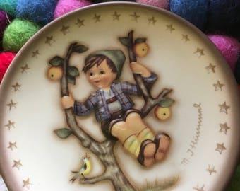 Miniature Hummel plate