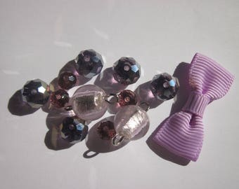 13 round glass beads with bow (B8)