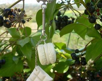 Porte clef gourmand ouverture facile macaron et chocolat blanc