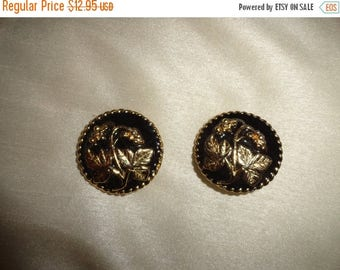 50% OFF Unique 1960s clip on earrings 1.5 inch by 1.5 inch