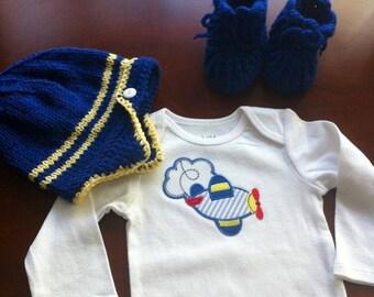 Baby aviator set,baby aviator hat, bodysuit , baby booties, handmade baby boy set / size 6 to 12 months baby shower gift