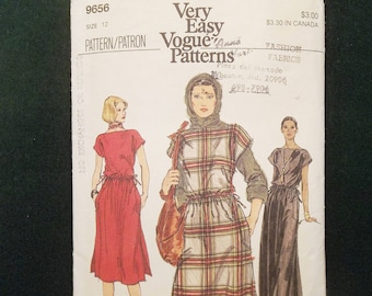 Vogue Very Easy Patterns 9656 1970s Pullover Dress Loose Fitting Misses Size 12 Sewing Pattern Vintage