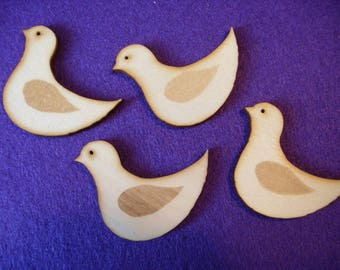 4 birds, wood, 5 x 3.7 cm  (10-0013C)