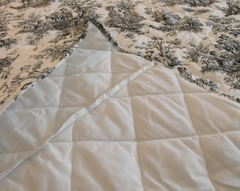 Custom made queen bedspread, Queen bedspread, Quilted bedspread, Cotton bedspread, Custom bedspread, Black and white bedspread, Toile bed