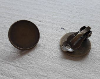 Clearance * 1 pair of bronze tone ear clips, glue, special cabochon, 20mm