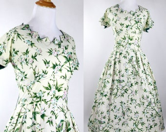 Vintage 1950s Dress | 50s Bird and Floral Novelty Print Dress | Cream and Green | M L
