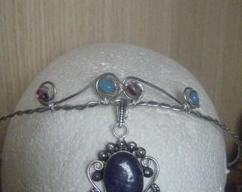 Tiara / headband, crown.