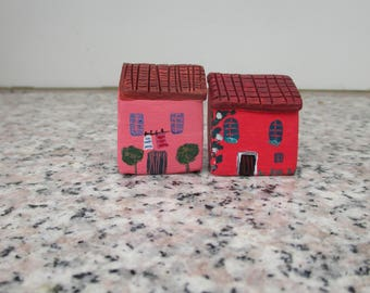 2 Small clay Houses,Acrylic Paint,Tiny Ceramic Mediterranean House,Little Pottery House,Pink,Red,Tuscan House,Rustic,Colorful house,Cute