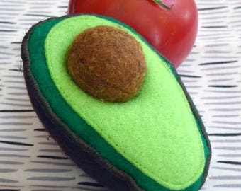Felt Food, Play Food for Kids, Play Kitchen, Avocado, Pretend Food for Toddlers, Play Toys, Play Food, Sustainable, Removable Seed