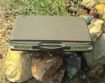 "Mid Century Brown Royal Traveler Hardside Trimline Briefcase/ Attache/ Silver Accents 18.5"" X 12"" X 3""/ Vintage Hard Side Briefcase /Attache"
