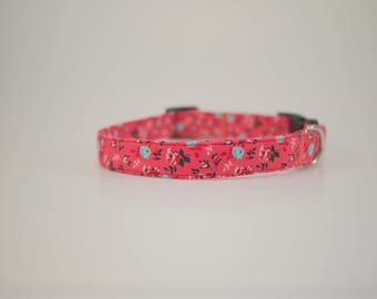 Coral and Mint Floral Collar