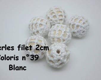 2 hole beads (2 cm) color crochet cotton 39