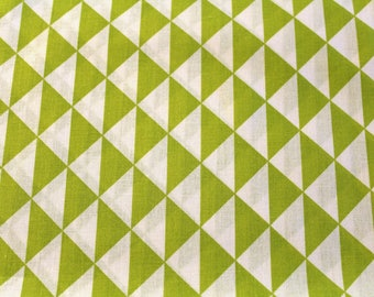 Graphic fabric coupon 50 x 70 cm lime and white