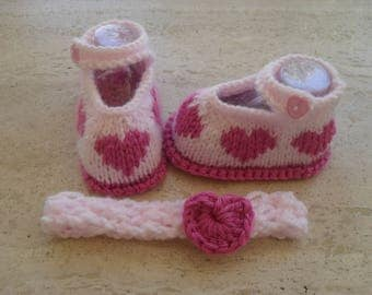 Knitted Baby Girl Shoes. Booties With Matching Hair Band Size New Born 0 to 3 Months Ready Made
