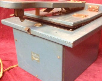 Vintage Darkroom Printer/Cropper