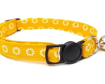 Cat Collar - Mustard yellow metro flower collar with breakaway safety clasp