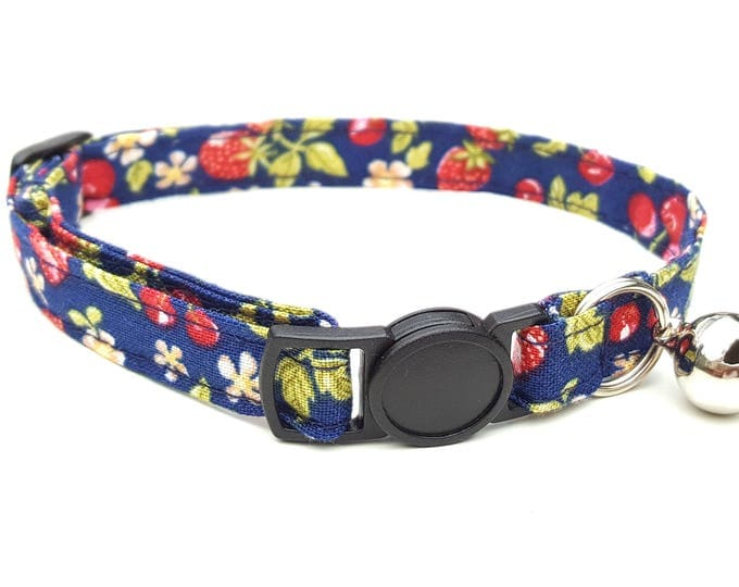 Wild fruits with quick release safety clasp