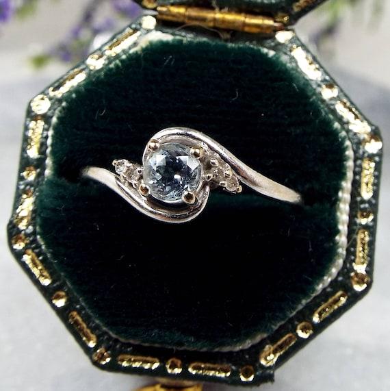 Vintage 9ct White Gold Elegant Aquamarine and Diamond Twist Ring / Size K 1/2