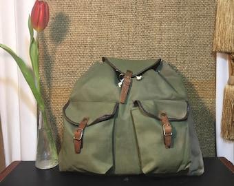 Vintage 1970's Faded Green Canvas Drawstring Backpack Rucksack Medium Size