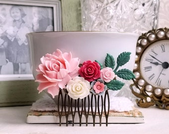 Pink roses Country garden hair accessory Shabby chichair comb Patina leaves