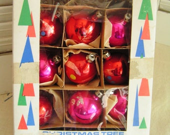 Vintage Santa Land Boxed Christmas Hand Painted Ornaments in Red and Pink Made in Poland