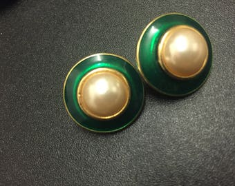 Fab Authentic Vintage Emerald Green Enamelled/Pearl  80's Clip On Earrings