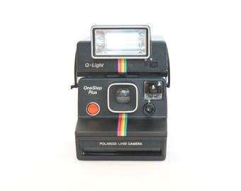 83 Polaroid One Step Plus + Q-Light Flash