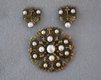 Joseff of Hollywood Large Brooch or Pendant and Earring Set Mid Century Vintage