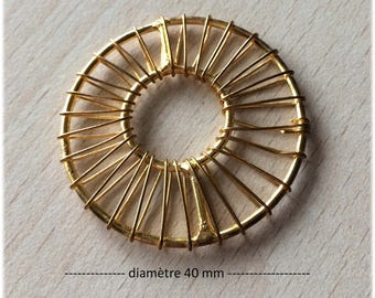 Connector / gold Circle Pendant