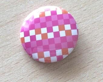 """badge 25 mm vintage """"pink squares"""""""