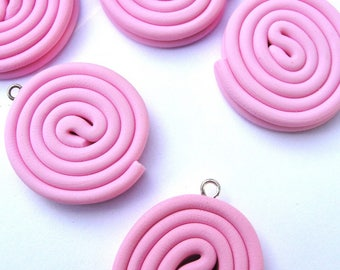 X 1 roll of licorice rose fimo