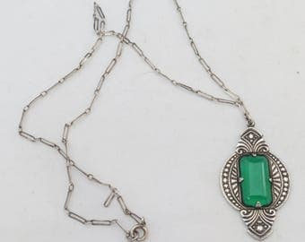 Vintage Art Deco Germany Silver Sterling Pendant Necklace w. Green Glass
